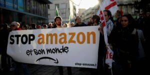 Espías privados supuestamente se infiltraron en una huelga de Amazon y tomaron fotografías en secreto de trabajadores, sindicalistas y periodistas
