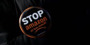 Legisladores de 34 países respaldan campaña «Make Amazon Pay», acusando al gigante tecnológico de tener deudas con sus trabajadores, la sociedad y el planeta