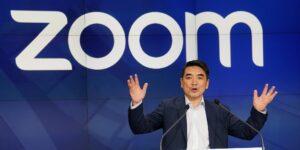 El CEO de Zoom, Eric Yuan, reflexiona sobre el crecimiento de su empresa tras la pandemia y por qué cree que los viajes de negocios han terminado para siempre