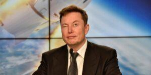 No, ese no es Elon Musk en 'Cyberpunk 2077', pero aún puede estar en el juego