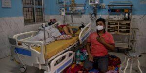 Una misteriosa enfermedad mató al menos a una persona y causó la hospitalización de cientos en India ––los investigadores encontraron rastros de plomo y níquel en la sangre