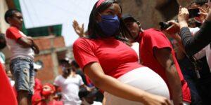 El Covid-19 se ha convertido en la primera causa de muerte materna en México. Sigue estas recomendaciones para cuidarte en el embarazo.