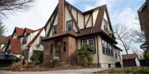 La casa donde Trump pasó parte de su infancia se subastará por 3 millones de dólares