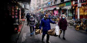 Un año después, el mercado de Wuhan sigue cerrado y vacío, tras ser el epicentro de pandemia de coronavirus