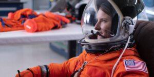 Una oficial de submarino y un puñado de pilotos militares se postulan para ser la primera mujer en caminar sobre la Luna