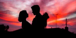 4 señales de que tu pareja puede ser un narcisista y qué hacer al respecto