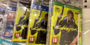 'Cyberpunk 2077' tiene tantos errores que PlayStation lo quitó de su tienda en línea y ofreció reembolsos a los jugadores