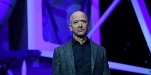El estilo de liderazgo de Jeff Bezos le ha llevado a convertirse en uno de los más ricos del mundo: qué puedes aprender de ello