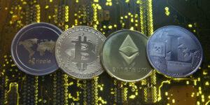 'Merry Bitmas'; Bitcoin supera los 28,000 dólares después de Navidad —y disparó las acciones de los mineros de criptodivisas