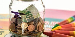 Mi suegra ahorró 30,000 en 2 años siguiendo un plan simple de 3 reglas