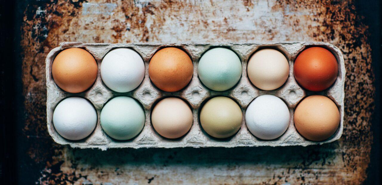 huevos rojos blancos |Business Insider México