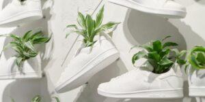 Adidas desarrolla un cuero de origen vegetal que se utilizará para fabricar zapatos, su última iniciativa de sostenibilidad después de producir 15 millones de pares de plástico reciclado en 2020