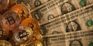 Los expertos siguen sin ver el techo del bitcoin, pero creen que podría alcanzar los 49,000 dólares en 2021