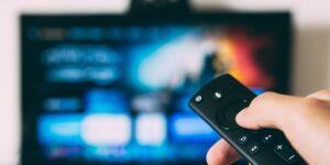 Searchlight y ForgeLight compran la mayoría de acciones de Univision, la cadena estadounidense de televisión en español