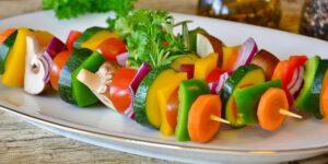 Los veganos tienen un mayor riesgo de fracturas si escatiman en sus dietas el calcio, proteínas y B12, según un estudio de BMC Medicine