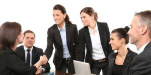 Qué hacer si tu jefe impide que asciendas de puesto y sientes que tu carrera está estancada
