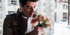 18 maneras en las que los hombres pueden parecer más atractivos para las mujeres, de acuerdo con la ciencia