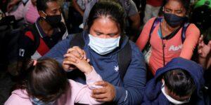 AMLO ofrece vacunar contra el Covid-19 a inmigrantes indocumentados que se encuentran en Estados Unidos