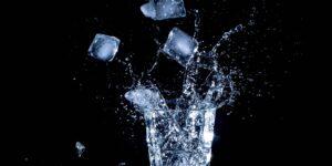 ¿Masticar hielo es malo para los dientes? Sí, puede dañar el esmalte dental
