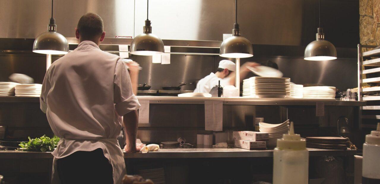Algunos restauranteros abrirán hoy pese al riesgo de multas | Business Insider Mexico