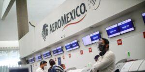 Aeroméxico pide a las autoridades del trabajo que den por terminados los contratos colectivos con pilotos y sobrecargos