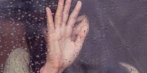 Las personas manipuladoras lavan el cerebro a sus parejas usando algo llamado 'perspecticidio': estas son las señales de que te está sucediendo