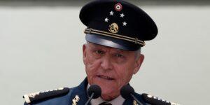 La FGR exonera al general Salvador Cienfuegos de los delitos de narcotráfico —AMLO ordena liberar el expediente del caso
