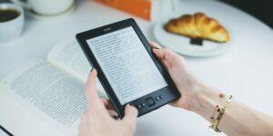 Amazon enfrenta demanda colectiva por inflar los precios de los libros electrónicos —recibió ayuda de cinco grandes editoriales