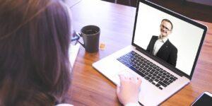 8 consejos para mejorar tus habilidades de entrevista por videollamada y aumentar tus posibilidades de conseguir un trabajo