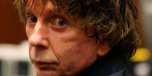 El productor musical Phil Spector, quien fue condenado por asesinato, muere a los 81 años tras contraer Covid-19