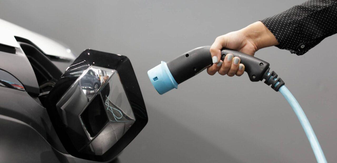 batería auto eléctrico