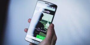 Los sueldos de Spotify al descubierto: cuánto dinero ganan sus ingenieros, especialistas en marketing y otros empleados