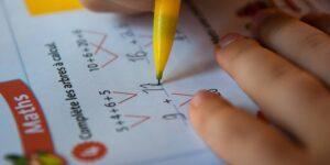 Cómo ayudar a tu hijo con las matemáticas —incluso si no se te dan muy bien