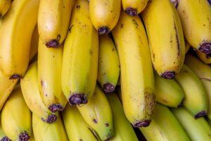 Cargamento de plátanos rellenos de cocaína termina en supermercados canadienses debido a una confusión