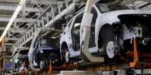 El gobierno de México concede a 12 automotrices  más tiempo para cumplir reglas del TMEC