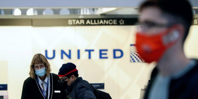 United Airlines dice que las playas mexicanas experimentaron la mayor caída en la demanda, luego de que Estados Unidos anunciara nuevos requisitos para los viajeros