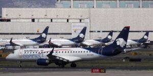 Los pilotos de Aeroméxico aceptan recortes para apoyar reestructura financiera y acciones de la compañía toman fuerza