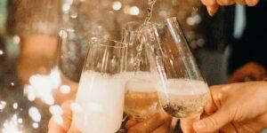 La gente dejó de beber champán durante la pandemia y ahora la industria podría estar en una caída libre de 1,000 millones de dólares
