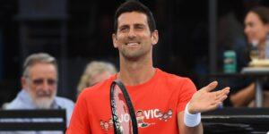 Novak Djokovic canceló su partido en el Abierto de Australia tras la cuarentena, luego apareció media hora tarde y jugó de todos modos