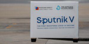 La vacuna rusa Sputnik V muestra efectividad de 91.6% contra Covid-19 en un ensayo de fase final publicado en The Lancet
