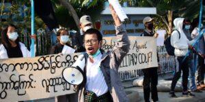 Ejército de Myanmar impone bloqueo a Facebook debido a protestas por el golpe de estado