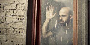 Te presentamos las 4 maneras de apoyar a alguien con ansiedad (y qué no hacer en esos casos), según psicólogos