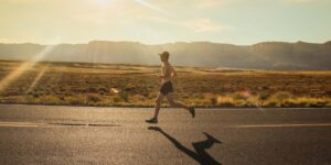 Esto le pasa a tu cuerpo durante una ultramaratón; algunas pruebas duran más de 4,000 kilómetros