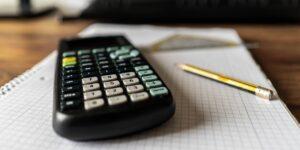 Estos son 4 errores financieros que pueden arrebatarte el control de tu dinero