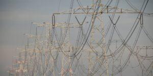 La reforma a la Ley de la Industria Eléctrica no sería retroactiva y protegería las inversiones ya realizadas