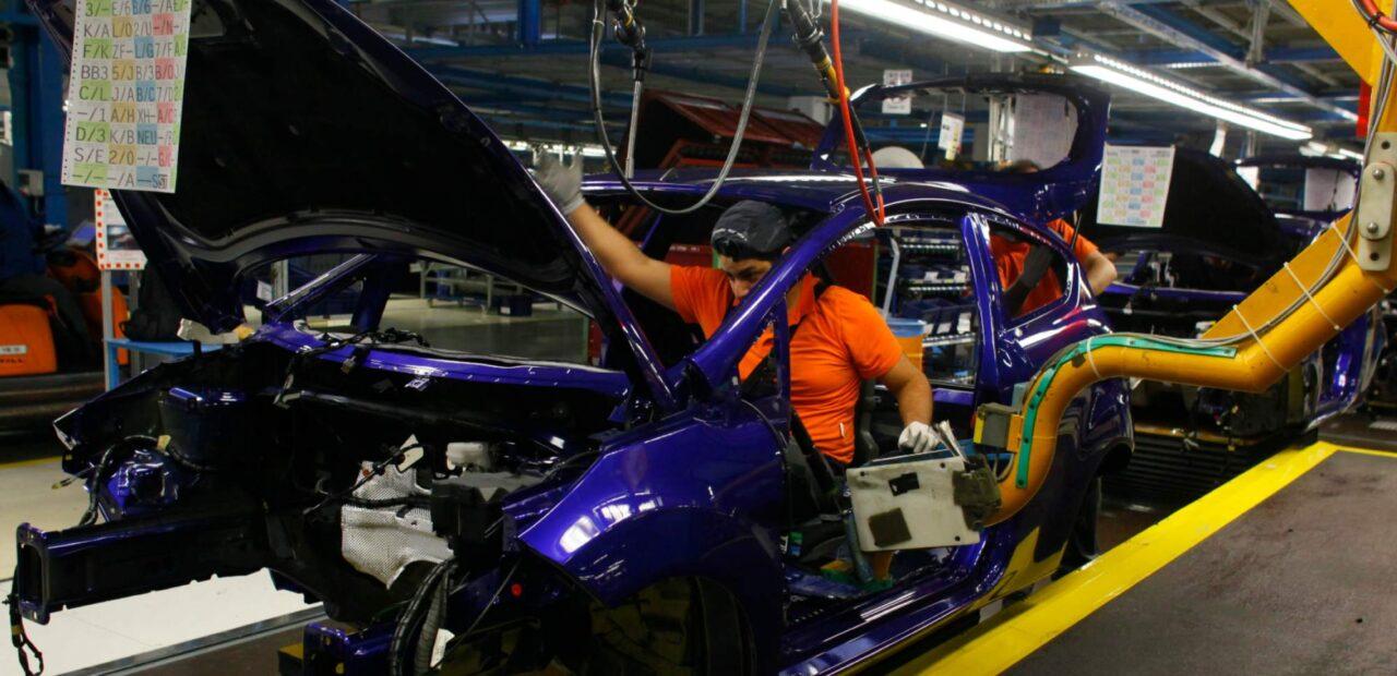 La escasez de semiconductores impacta la producción de General Motors | Business Insider Mexico