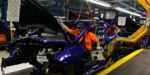 General Motors recorta su producción de vehículos por la escasez mundial de semiconductores
