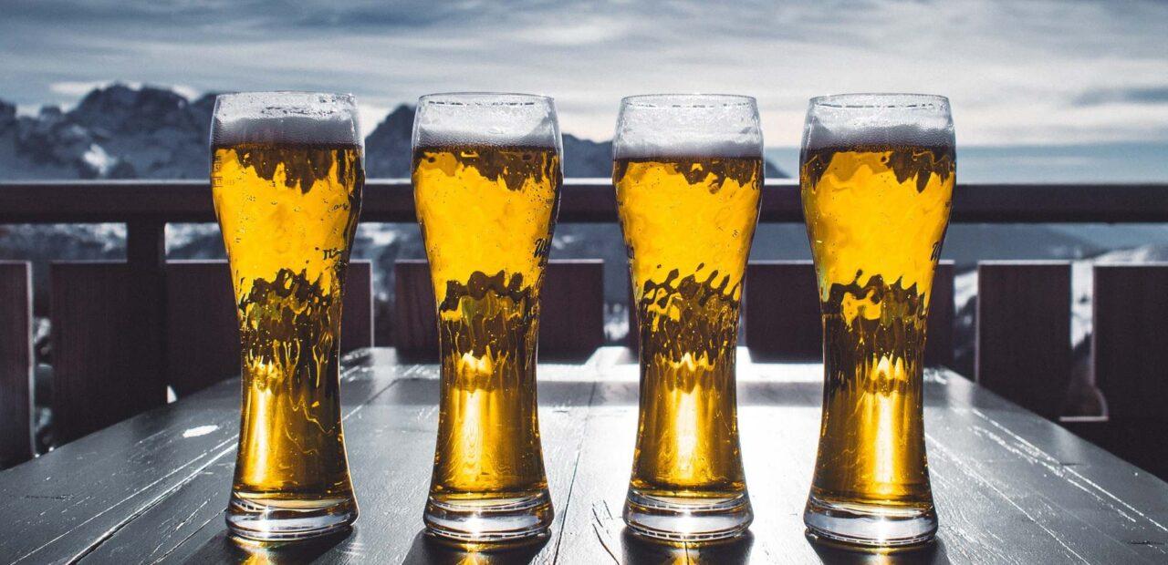 La cervecera Heineken planea recortes de empleos para generar ahorros