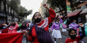 La autonomía económica de las mujeres retrocederá una década a causa de la pandemia, advirtió la Cepal