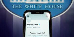 Twitter dice que la suspensión a la cuenta de Trump nunca se levantará, incluso si se postula para presidente nuevamente